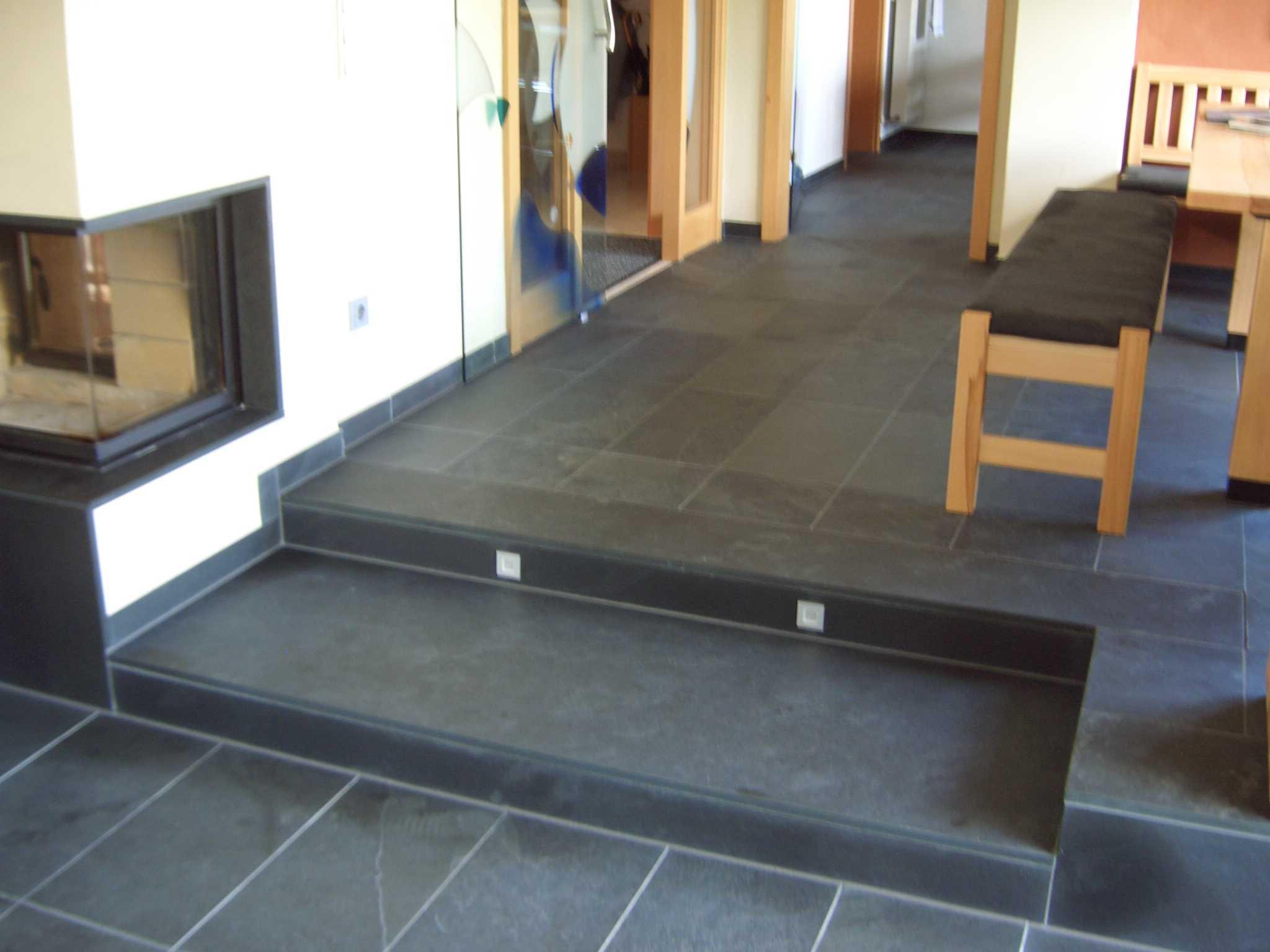 Treppen boden und wandbel ge faust natursteine for Boden eingangsbereich